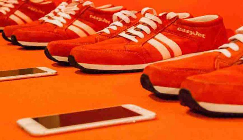Le scarpe smart easyJet che ti indicano le strade