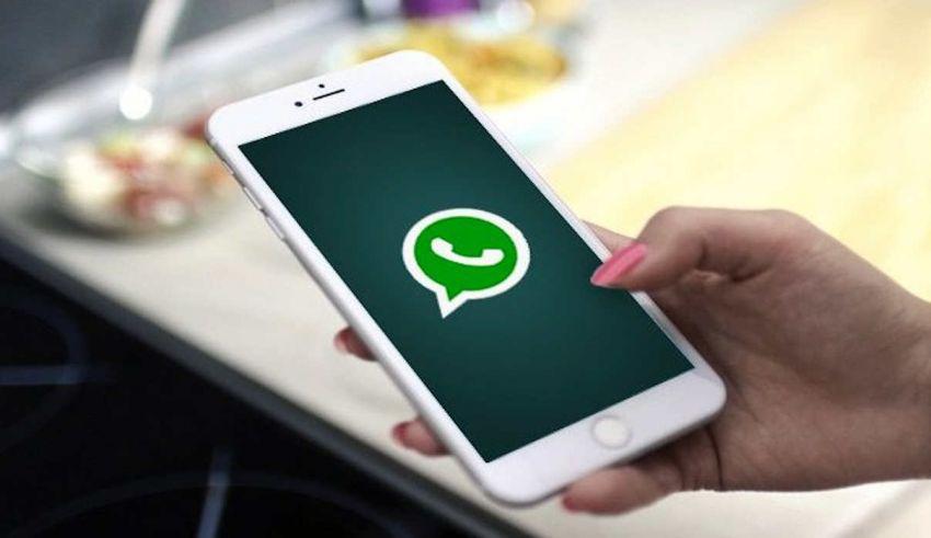 Come mandare messaggi automatici su WhatsApp